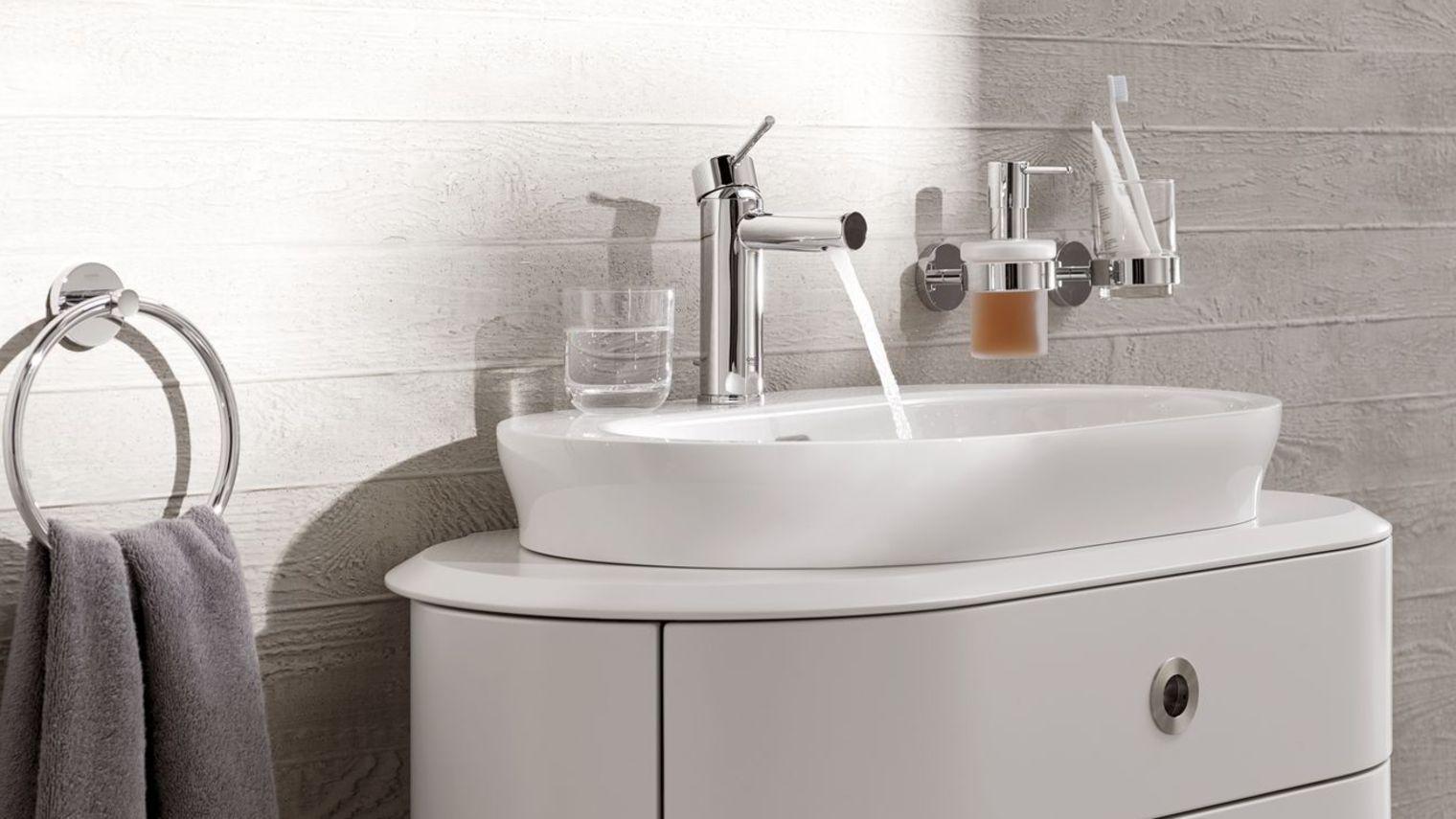 Changer sa salle de bain 10 trucs pour relooker sa salle for Changer carrelage salle de bain